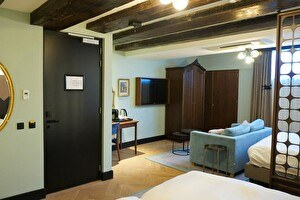 Hendricks Vault Suite - Semi Basement